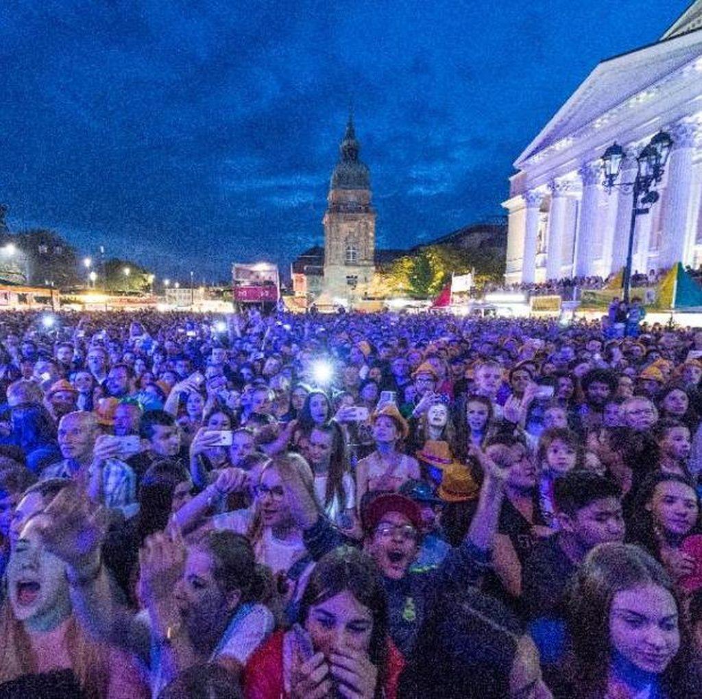 Festival Musik Ini Boikot Penggunaan Ponsel