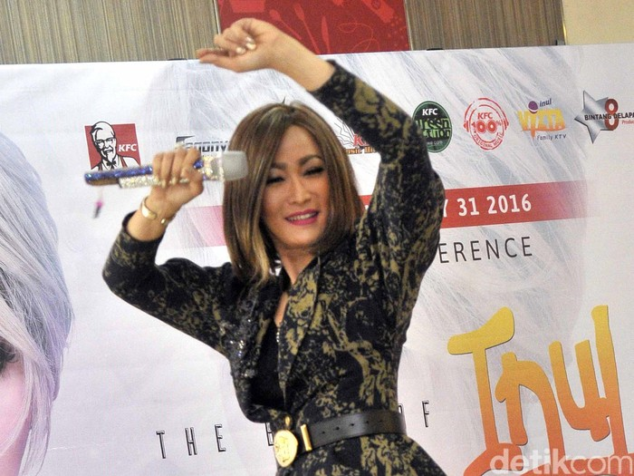 Inul Daratista saat perilisan album The Best of Inul