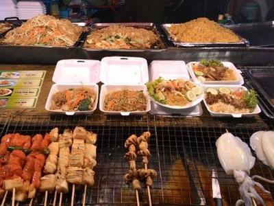 5 Destinasi Street Food Maknyus di Thailand