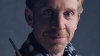 Dalam foto yang dipublikasikan, Ron yang tampak lebih tua dengan keriput di wajahnya itu akan diperankan oleh Paul Thornley. (Pottermore)