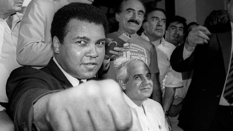 Muhammad Ali Tutup Usia