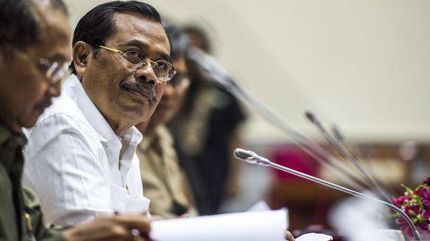 Jaksa Agung M Prasetyo mengaku pengembalian berkas dari Komnas HAM dilakukan karena petunjuk pihaknya tak dilaksanakan.