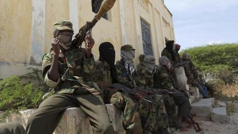Bom Bunuh Diri dan Penembakan Al-Shabaab di Hotel Somalia, 7 Orang Tewas