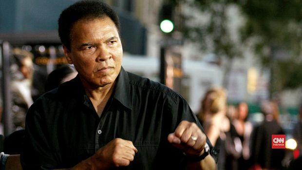 Muhammad Ali merupakan idola Mike Tyson. (