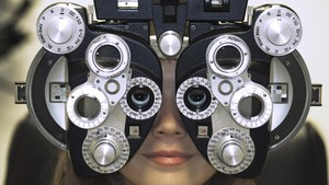 5 Tanda Mata Kamu Sudah Minus dan Butuh Kacamata