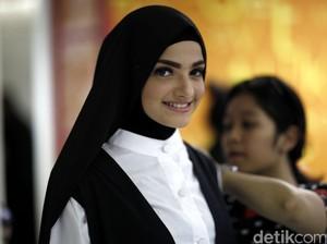 Cerita Finalis Sunsilk Hijab Hunt yang Merasa Bahaya <I>Nyebrang</i> di Jalanan Jakarta