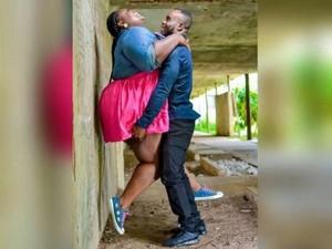 Kisah Perawat Wanita yang Di-bully karena Foto Digendong Calon Suami