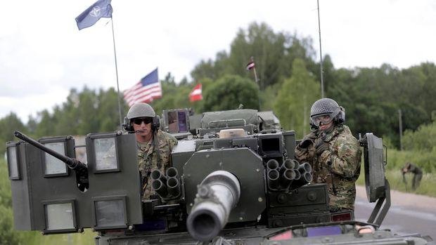 Trump Pertimbangkan Militer AS di Polandia Secara Permanen