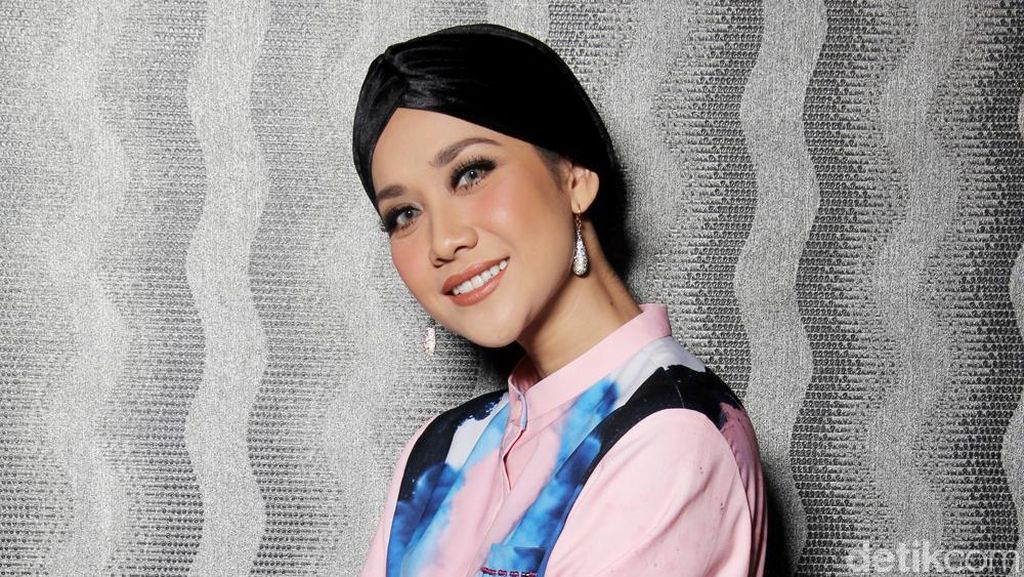 Asma Nadia Puji Akting BCL di Jilbab Traveler: Love Sparks in Korea