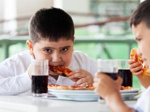 Cegah Obesitas Pada Anak dengan 3 Siasat Ini