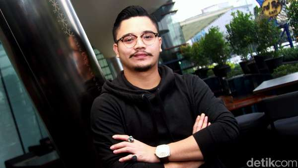 Kumis Derby Romero Makin Lebat, Yay or Nay?
