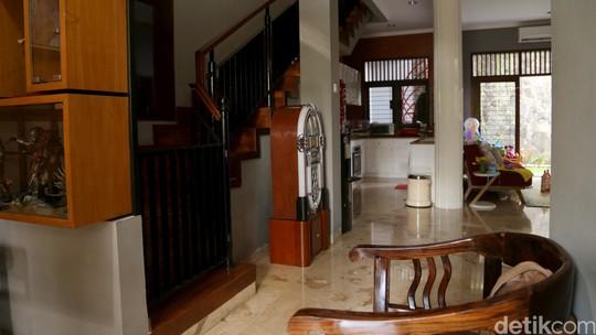 Seperti Apa Isi Rumah Hobi Omesh? Ini Foto-fotonya!