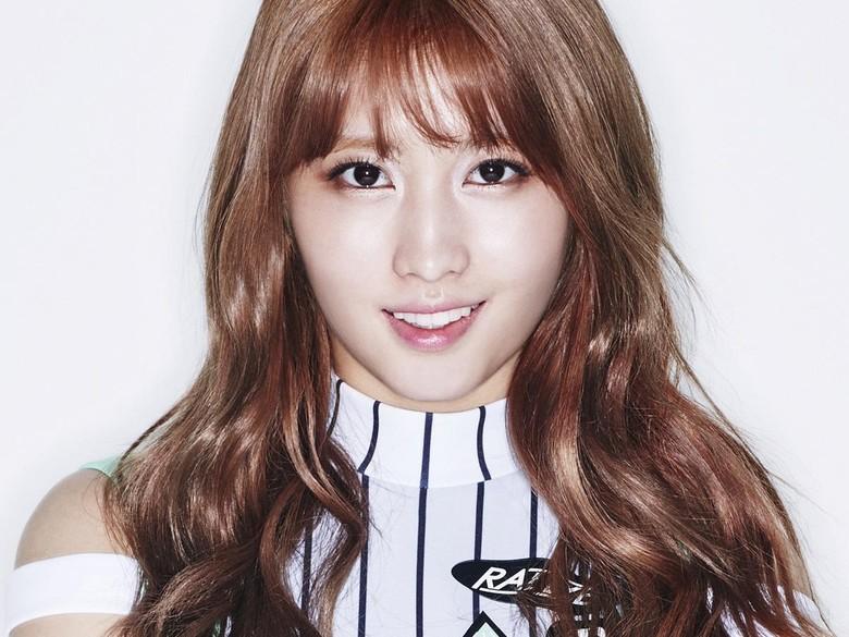 5 Fakta Momo TWICE yang Dikabarkan Kencan dengan Heechul SuJu Foto: JYP Entertainment.