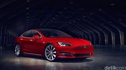 Pengemudi Tesla Ngotot Minta Bensin saat Baterainya Habis, Ternyata untuk Ini