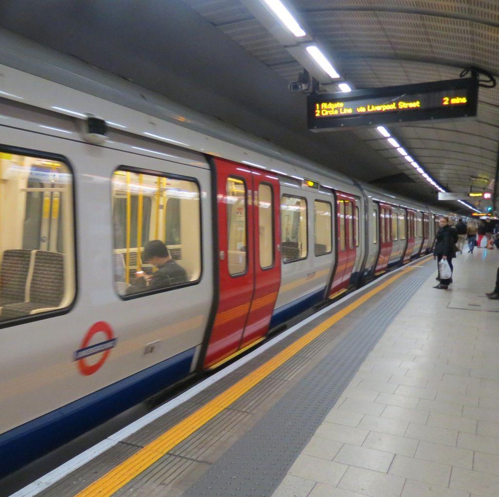 PSI: Presiden Jokowi Wujudkan Mimpi London Underground di Jakarta