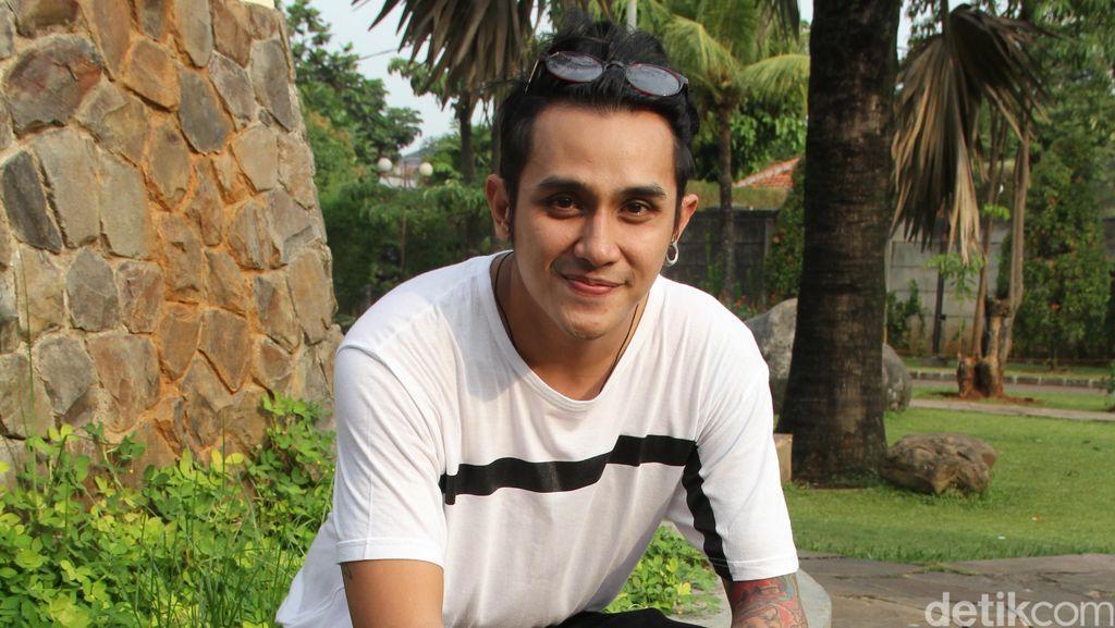 Diisukan Dekat dengan Nikita Mirzani, Vicky Nitinegoro Masih Mengelak