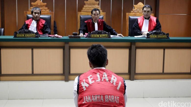 Riki Sopir Fortuner Maut Dituntut 6 Tahun Penjara