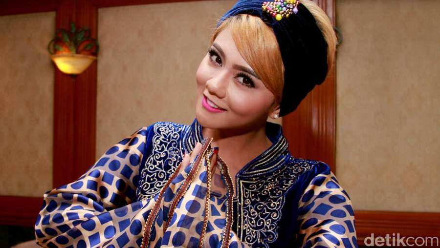 Begini Gaya Jenita Janet di Bulan Ramadan, Cantik?