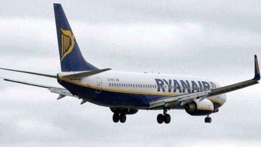 Ketinggalan Pesawat, Pria Irlandia Nekat Berlari Mengejar