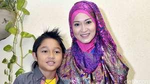 Pasha dan Adel Urus Anak Sendiri