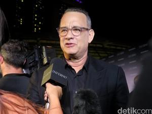 Untuk Ketiga Kalinya Tom Hanks Beri Mesin Kopi ke Wartawan Gedung Putih