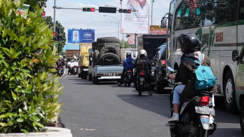Ragam Julukan Lampu Merah Durasi 5 Menit yang Dikeluhkan Warga Bandung