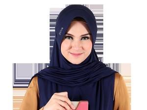 Zoya Rilis Bergo Anti Copet di Ramadan 2016