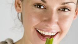 Metabolisme sangat berkaitan dengan kesehatan tubuh. Agar metabolisme terus meningkat dan kesehatan tetap terjaga, konsumsi 8 makanan dan minuman ini.