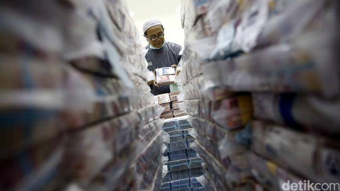 Ilustrasi uang tunai/Foto: Rachman Haryanto