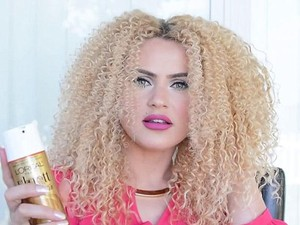 Trik Mengeriting Rambut Ala Beyonce Pakai Sumpit