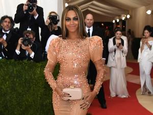 Beyonce Promosikan Air Semangka untuk Jaga Kesehatan Tubuh