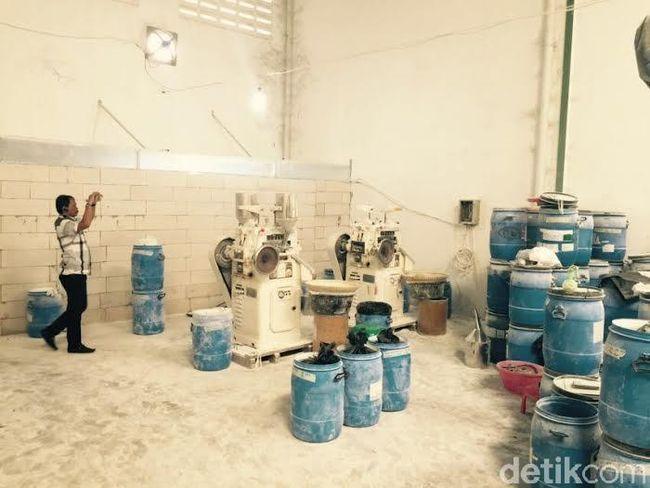 omzet pabrik obat obatan ilegal di tangerang capai miliaran