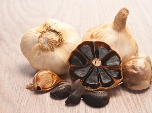 Benarkah <i>Black Garlic</i> Lebih Sehat Dibanding Bawang Putih Biasa?