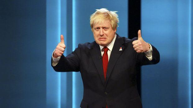 Boris Johnson menganggap kebijakan May kepada Uni Eropa terlalu lunak.