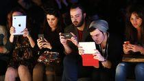 Milenial Lebih Pilih Tidak Keramas Ketimbang Lepas Gadget