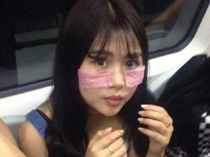 Rombongan Wanita Pakai Masker Kondom di Kereta Jadi Viral