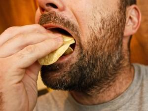 Stop Lampiaskan Emosi dengan Makan! Coba Alihkan dengan 5 Cara Ini