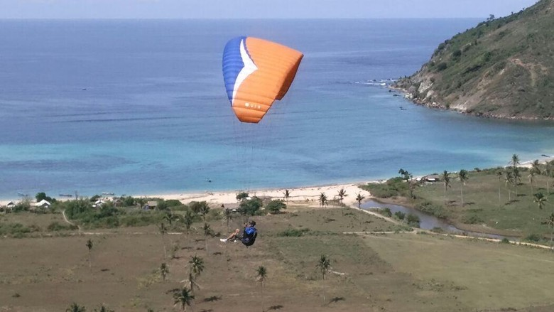 Ini Alasan Lombok Jadi Lokasi Lomba Paralayang Tingkat Dunia