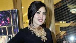Gaya Selebriti Indonesia di Bulan Ramadan (2)