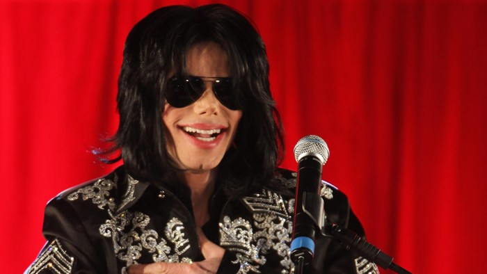 LONDON - MARCH 05:  Michael Jackson announces plans for Summer residency at the O2 Arena at a press conference held at the O2 Arena on March 5, 2009 in London, England.  (Photo by Tim Whitby/Getty Images)
