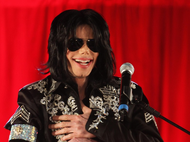 Geledah Rumah Michael Jackson, Polisi Temukan Konten Pornografi Anak