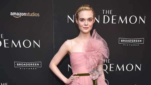 Elle Fanning, Pretty in Pink!