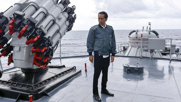 Makna di Balik Kunjungan Jokowi di Tengah Tensi Natuna