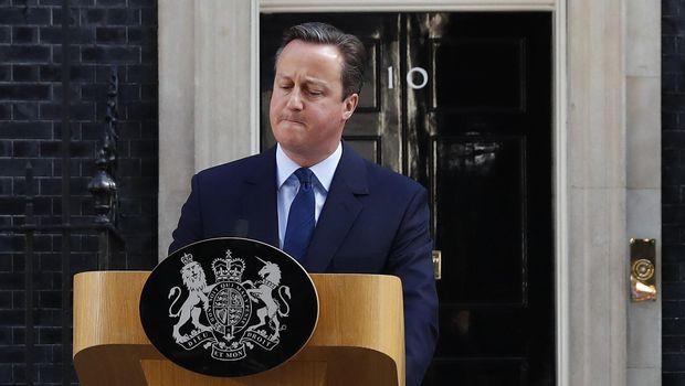 David Cameron mengundurkan diri usai warga Inggris memilih Brexit.