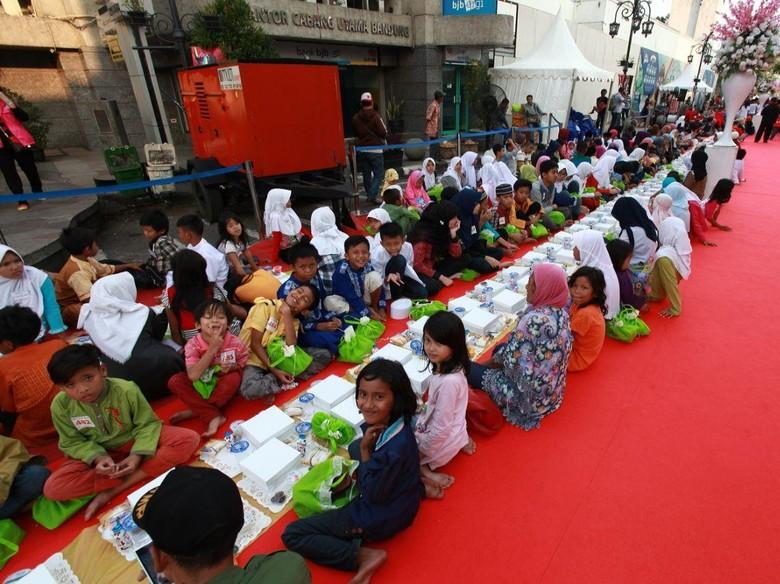 Sabtu Ini, 10 Ribu Orang akan Hadiri Bukber di Jalan Asia Afrika Bandung