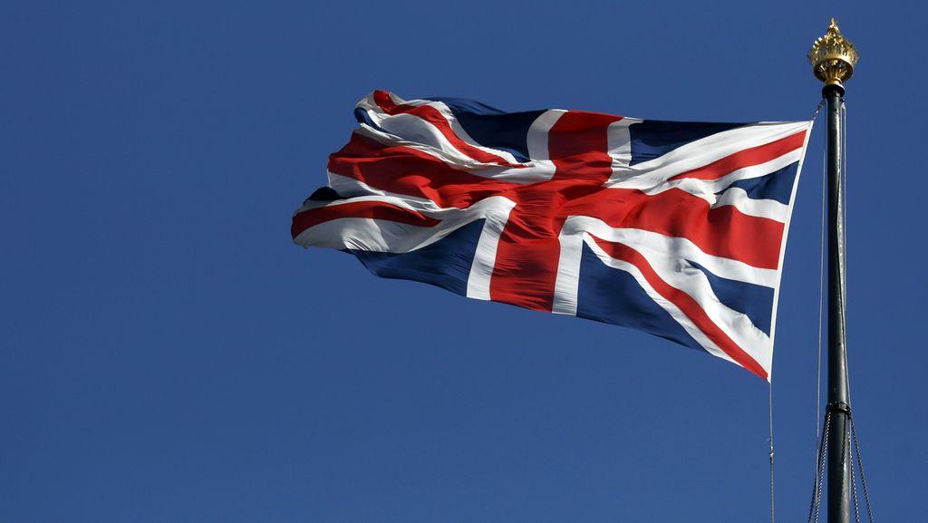 Penghormatan untuk Korban Pandemi, London Dihiasi Tembok Hati