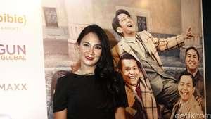Senyum Lega Para Bintang Rudy Habibie