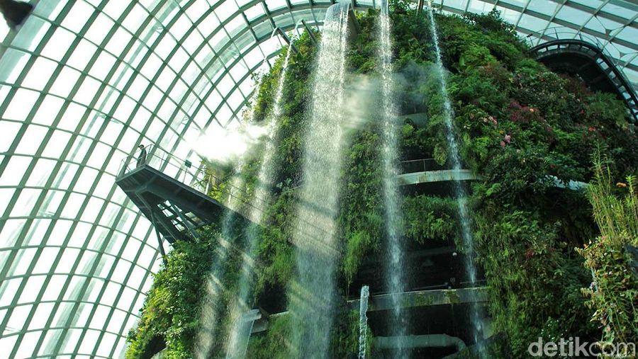 Bisa dibilang, inilah atraksi utama dan favorit bagi turis yang datang ke Singapura (Randy/detikTravel)
