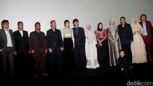 Para Pemain Film Jilbab Traveler: Love Sparks in Korea