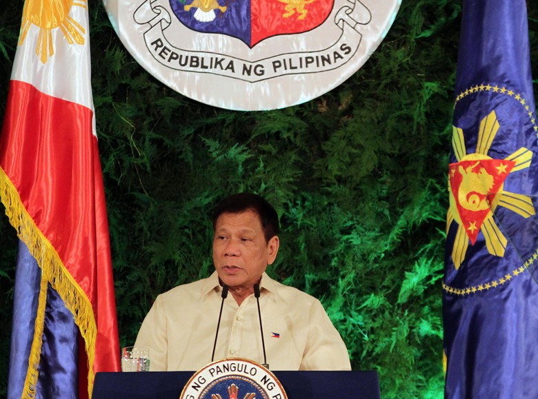 Disambut Menkum Yasonna, Presiden Filipina Duterte Tiba di Indonesia